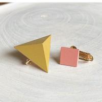 三角形&スクエア イヤリング(セット) パイナップルイエロー/コーラルピンク