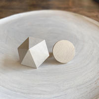 六角形&サークルイヤリング ホワイト/エッグシェル