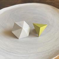 六角形&三角形ピアス(セット) ホワイト/レモンイエロー