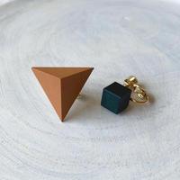 三角形&キューブイヤリング(セット) キャラメルブラウン/グリーン