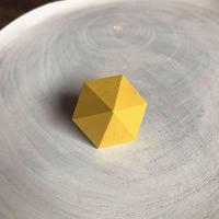 六角形イヤリング イエロー