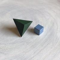 ダブルピアス(三角形×キューブ)グリーン×ブルー