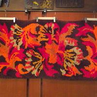 ビンテージ70's●レトロフラワーラグ67cm×131cm●200822s6-rugインテリアお花ディスプレイUSA絨毯カーペット雑貨
