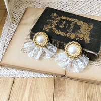 lace frill retro earring or pierce