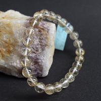 「ルチルクォーツ・珠径7.5mm・腕サイズ16cm」透明度の高い水晶の中に金ルチルがキラキラしています♪[AA20]