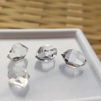 高品質「ハーキマーダイアモンド(クリスタル)」◆透明で形の整った高品質品です。コレクションにぜひ!