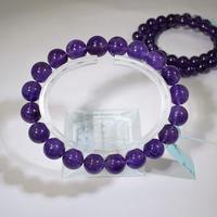 「アメジスト・珠径10mm・腕サイズ16cm」アメジストといえばこの色!きれいな紫です♪[AB97-99]