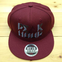 "PEAK▲HOUR ""PE▲K HOUR"" 菱沼彩子Model snapback cap burgundy"