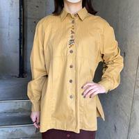ハリネズミモチーフ刺繍×ウッドボタン コットンシャツ[9947]