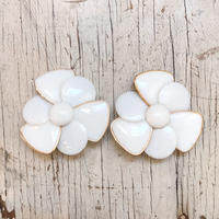 1960〜70's white big flower イヤリング(white)[0020]