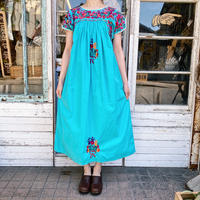 1970's vintage ライトブルー  サンアントニオ刺繍ドレス[1020]