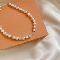Pearl short necklace