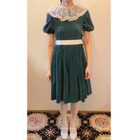 1970s green velvet dress