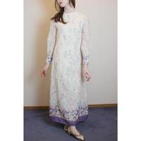D777 - 1970s floral dress