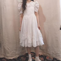 white cotton puff sleeve dress