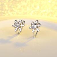 ノンホールピアス かわいいイヤリング シルバー CZダイヤモンド 雪の結晶 スノーフラワー キラキラ 銀 シルバー