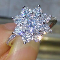 CZダイヤモンドリング 高級キュービックジルコニア フラワーデザインエンゲージリング 指輪  高級 キラキラ プレゼントにも 12号/14号/16号
