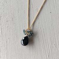 【14kgf】【11月誕生石】ブラックスピネルの花束ネックレス【November birthstone】Black Spinel posy necklace