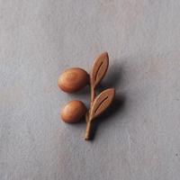 sunawo na katachi      ブローチ olive     SN-19
