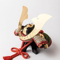牡丹図阿古陀形の兜 二曲西ノ内紙屏風飾(山吹)