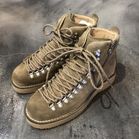 White Mountaineering × Danner 「マウンテンライト」