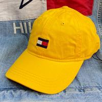 トミーヒルフィガー TOMMY HILFIGER ストラップバック ダッドキャップ 帽子 ローキャップ 黄色 イエロー 刺繍 フラッグロゴ