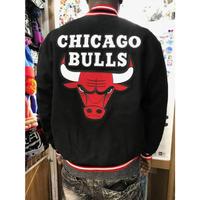 JHデザイン NBA シカゴ ブルズ Bulls 公式アイテム リバーシブル スタジアムジャンパー 黒 スタジャン バスケ