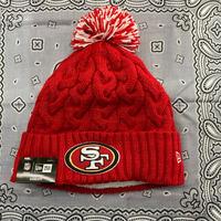 NEWERA ニューエラ NFL サンフランシスコ SF 49ers 赤 ニット帽 ポンポン付 ニットキャップ 金ラメ 男女兼用 アメフト
