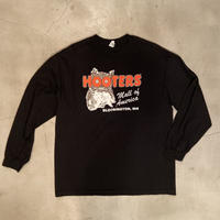 """Hooters"" long sleeve t-shirt / size XL"