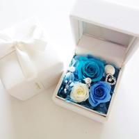 """LUXURY BOX  """"Le mariage"""" (BLUE) たっぷりのバラと指輪を隠したの贅沢なフラワーボックス"""