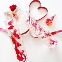 """《名入れギフト☆メッセージ刻印》 Herbarium """"Dear M"""" カーネーションとバラのハーバリウム"""