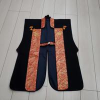 黒羅紗陣羽織・丸に唐花紋