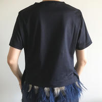 フェザーティーシャツ