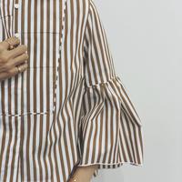 【追加オーダー・5月末にお届け】    ラッフルスリーブシャツ    ホワイト/キャメルストライプ