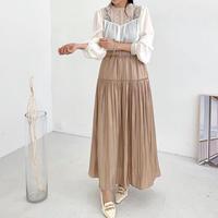 サテン切替スカート