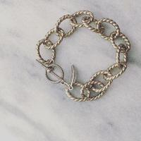 volume chain bracelet