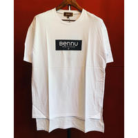 Bennu(ヴェンヌ)120710105/Box Logo Hem Step Big Tee