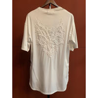 Bennu(ヴェンヌ)120710110/Back Embroidery Hem Step Round Tee