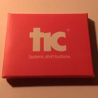 針と糸を使わずにボタンがつけられる!魔法の道具【tic】【レッド】1pack(4個入り)