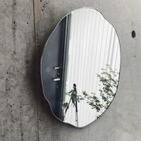 【9月中旬〜下旬出荷】水たまりのような形をしたウォールミラー | WALL MIRROR | SIZE:W300×H300 | 壁掛けタイプ
