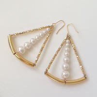 Gold triangle pearl pierced earring