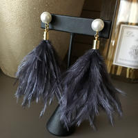 ostrich feather pierce earring