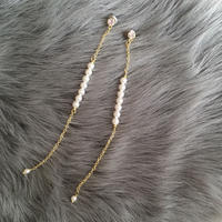 Small perl long pierce earring