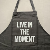 """DRESSSEN  DRVBLK5 REVERSIBLE  APRON""""LIVE IN THE MOMENT/SHOW TIME! """"(リバーシブルエプロン)"""
