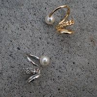 〈DE-EC63〉triple pearl ear cuff