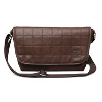 [REGiSTA]Stitch PU-Leather Shoulder Bag(縦18cmx横(上部36cmx底部28cm)xマチ11cm)