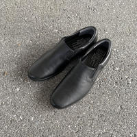 TR-003 SIDE GORE SLIP-ON (BLACK) / TRAVELSHOES by chausser