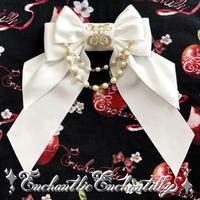 ロゴ刺繍パールリボンブローチ(ホワイト、ピンク、アイボリー)