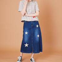 1910704   デニム刺繍スカート