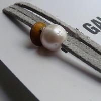 天然パール付 レザーブレスレット Made in Paris ホワイト パール1つタイプ ・ グレークリアカラー